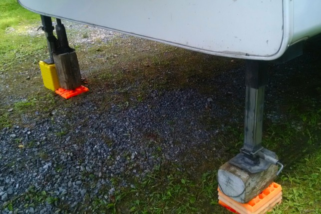Using portable jacks and various leveling options to set the rig up at each overnight stop